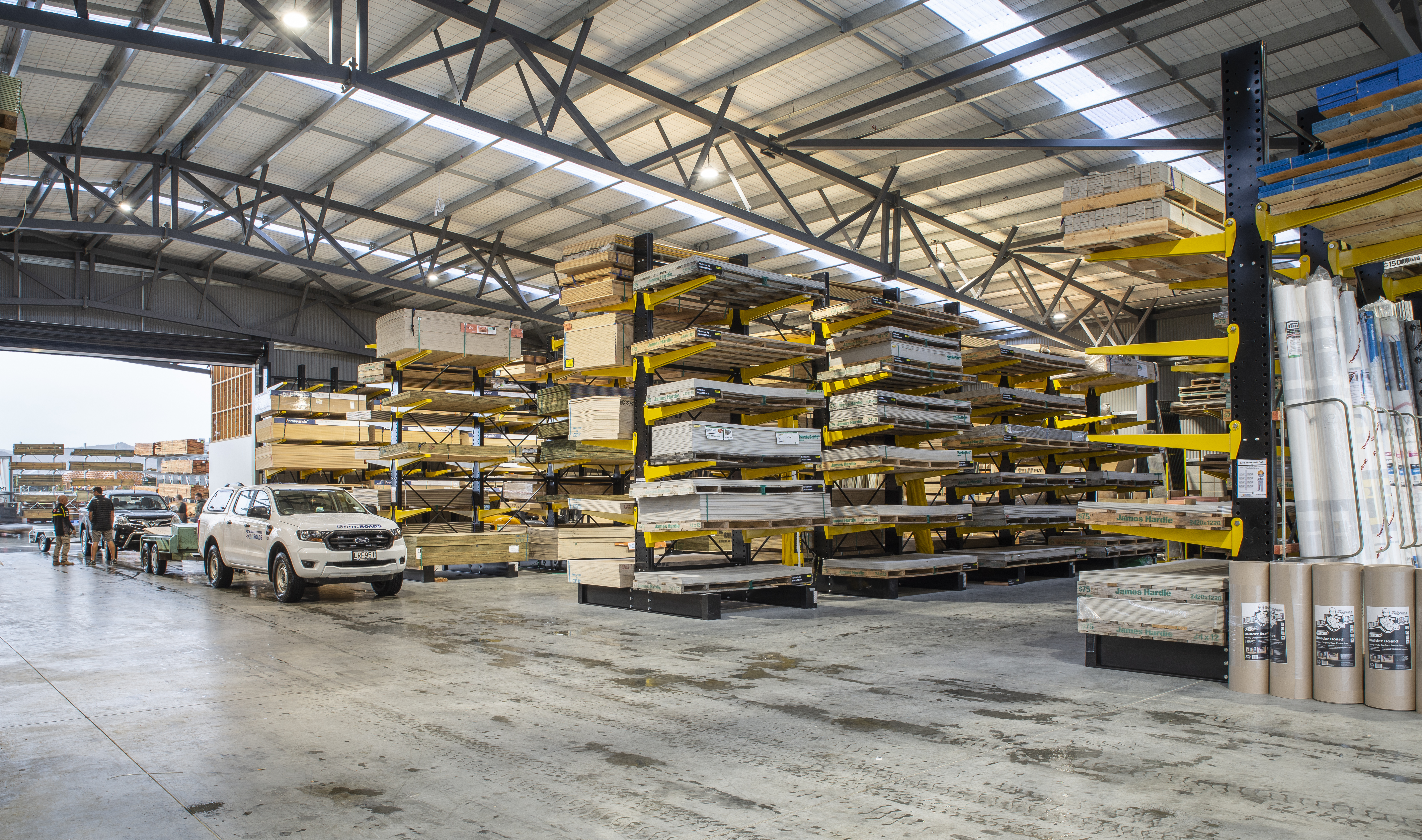 STACK-iT Heavy duty cantilever racking - Cromwell ITM