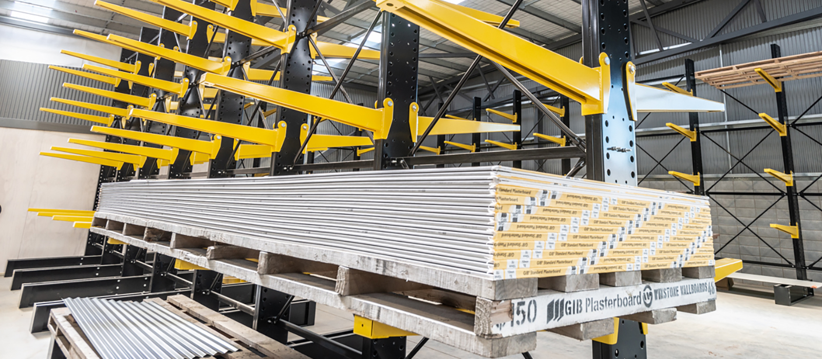 Southern Lake iTM Cromwell, Trade Store Fitout, Cantilever Racking, Pallet racking, Drive through, Yard Racking, Company Colors, Retail Shelving, Moulding Rack