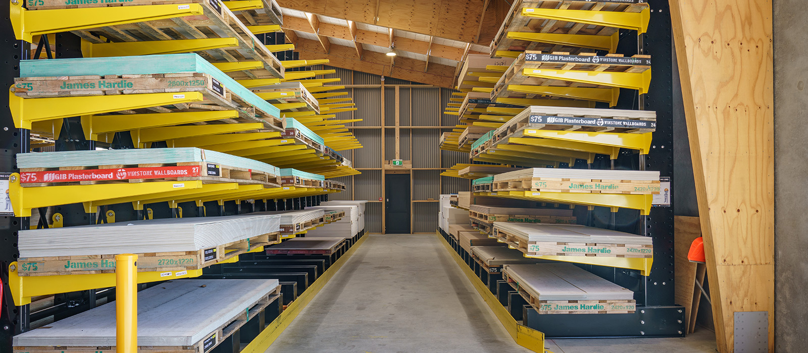 Southern Lakes iTM Wanaka, Full Trade Store Fitout, Cantilever Racking, Retail Shelving, Moulding Rack, A Frame Rack, iRS, Integrated Rack Structure, Dry Storage, Timber Storage, Side Loader, Combi-Lift