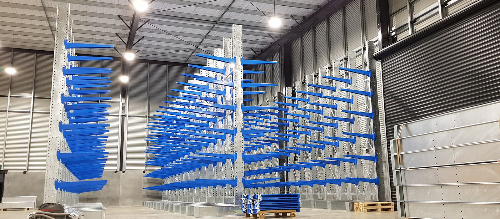 The Metal Company Warehouse Fitout, Cantilever Racking, Pallet Racking, 6000 Series Pallet Racking